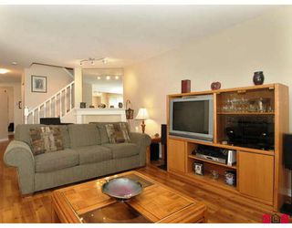 """Photo 4: 107 9177 154TH Street in Surrey: Fleetwood Tynehead Townhouse for sale in """"CHANTILLY LANE"""" : MLS®# F2910966"""