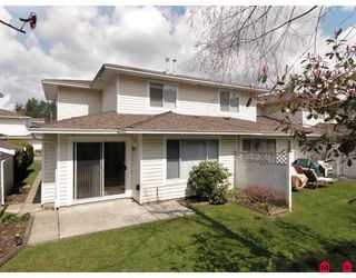 """Photo 10: 107 9177 154TH Street in Surrey: Fleetwood Tynehead Townhouse for sale in """"CHANTILLY LANE"""" : MLS®# F2910966"""
