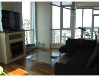 "Photo 4: 3904 1189 MELVILLE Street in Vancouver: Coal Harbour Condo for sale in ""MELVILLE"" (Vancouver West)  : MLS®# V770293"