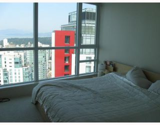 "Photo 9: 3904 1189 MELVILLE Street in Vancouver: Coal Harbour Condo for sale in ""MELVILLE"" (Vancouver West)  : MLS®# V770293"