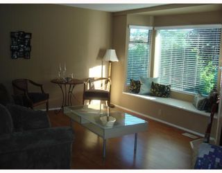 "Photo 3: 4 1195 FALCON Drive in Coquitlam: Eagle Ridge CQ Townhouse for sale in ""THE COURTYARDS"" : MLS®# V775028"