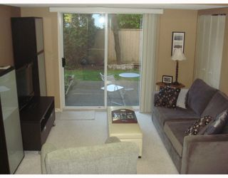"Photo 9: 4 1195 FALCON Drive in Coquitlam: Eagle Ridge CQ Townhouse for sale in ""THE COURTYARDS"" : MLS®# V775028"
