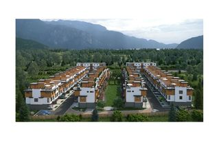 """Photo 2: 46 39769 GOVERNMENT Road in Squamish: Northyards Townhouse for sale in """"Breeze"""" : MLS®# R2395896"""