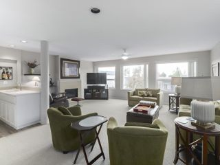 Photo 9: 829 STEVENS Street: White Rock House for sale (South Surrey White Rock)  : MLS®# R2421211