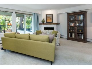 """Photo 12: 106 1351 MARTIN Street: White Rock Condo for sale in """"THE DOGWOOD"""" (South Surrey White Rock)  : MLS®# R2489161"""