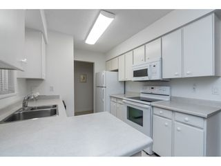 """Photo 24: 106 1351 MARTIN Street: White Rock Condo for sale in """"THE DOGWOOD"""" (South Surrey White Rock)  : MLS®# R2489161"""