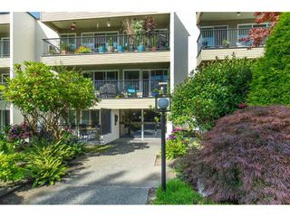"""Photo 2: 106 1351 MARTIN Street: White Rock Condo for sale in """"THE DOGWOOD"""" (South Surrey White Rock)  : MLS®# R2489161"""