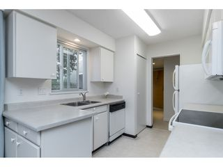 """Photo 23: 106 1351 MARTIN Street: White Rock Condo for sale in """"THE DOGWOOD"""" (South Surrey White Rock)  : MLS®# R2489161"""
