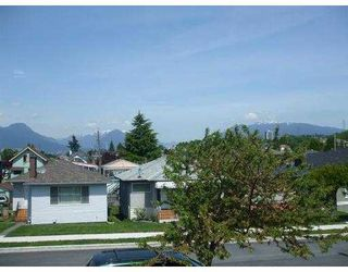 Photo 2: 3318 NAPIER Street in Vancouver: Renfrew VE House for sale (Vancouver East)  : MLS®# V768364