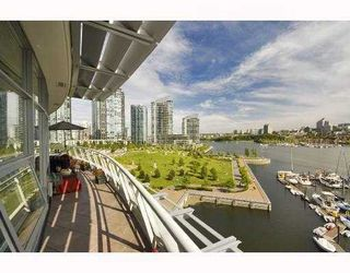 Photo 3: 801 628 KINGHORNE MEWS BB in Vancouver: False Creek North Condo for sale (Vancouver West)  : MLS®# V778161