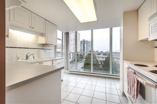 "Photo 10: 703 567 LONSDALE Avenue in North Vancouver: Lower Lonsdale Condo for sale in ""The Camelia"" : MLS®# R2442781"