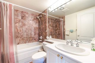 "Photo 17: 703 567 LONSDALE Avenue in North Vancouver: Lower Lonsdale Condo for sale in ""The Camelia"" : MLS®# R2442781"