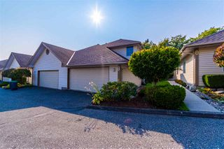 """Main Photo: 44 6140 192 Street in Surrey: Cloverdale BC Townhouse for sale in """"The Estates at Manor Ridge"""" (Cloverdale)  : MLS®# R2494546"""