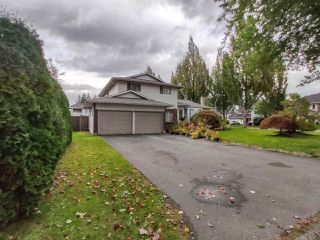 Photo 2: 15087 94 Avenue in Surrey: Fleetwood Tynehead House for sale : MLS®# R2507865
