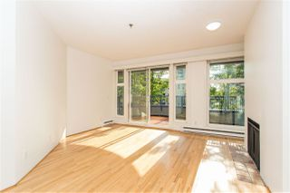 """Photo 4: 201 1924 COMOX Street in Vancouver: West End VW Condo for sale in """"WINDGATE ON THE PARK"""" (Vancouver West)  : MLS®# R2513108"""