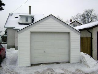 Photo 2:  in WINNIPEG: East Kildonan Residential for sale (North East Winnipeg)  : MLS®# 1002477