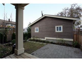 Photo 10: 1921 E 7TH Avenue in Vancouver: Grandview VE House 1/2 Duplex for sale (Vancouver East)  : MLS®# V858706