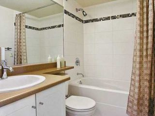 """Photo 5: 813 AGNES Street in New Westminster: Downtown NW Condo for sale in """"News"""" : MLS®# V608804"""