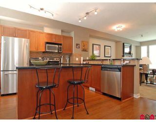 "Photo 2: 19 20120 68TH Avenue in Langley: Willoughby Heights Townhouse for sale in ""THE OAKS"" : MLS®# F2819871"