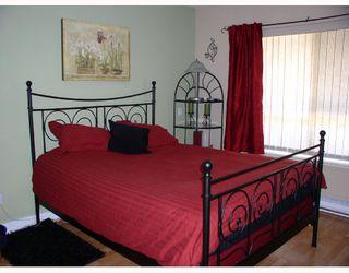 """Photo 16: 206 22230 NORTH Avenue in Maple_Ridge: West Central Condo for sale in """"SOUTHRIDGE TERRACE"""" (Maple Ridge)  : MLS®# V731382"""