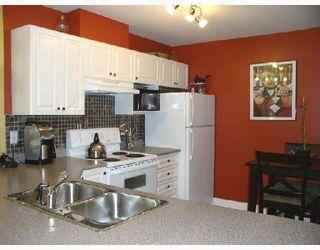 """Photo 10: 206 22230 NORTH Avenue in Maple_Ridge: West Central Condo for sale in """"SOUTHRIDGE TERRACE"""" (Maple Ridge)  : MLS®# V731382"""