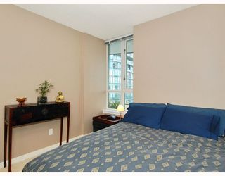 """Photo 9: 2309 63 KEEFER Place in Vancouver: Downtown VW Condo for sale in """"EUROPA"""" (Vancouver West)  : MLS®# V747245"""