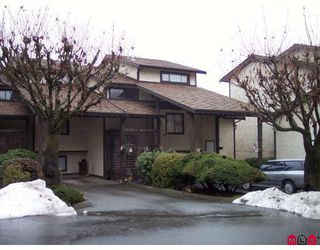 "Photo 1: 16 33361 WREN Crescent in Abbotsford: Central Abbotsford Townhouse for sale in ""SHERWOOD HILLS"" : MLS®# F2900637"