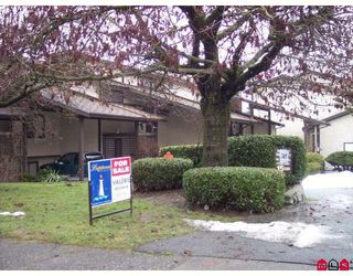 "Photo 3: 16 33361 WREN Crescent in Abbotsford: Central Abbotsford Townhouse for sale in ""SHERWOOD HILLS"" : MLS®# F2900637"