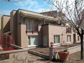 Photo 1: 6 33 Songhees Rd in VICTORIA: VW Songhees Row/Townhouse for sale (Victoria West)  : MLS®# 500225