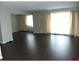 "Photo 3: 207 7473 140TH Street in Surrey: East Newton Condo for sale in ""GLENCOE ESTATES"" : MLS®# F2909668"