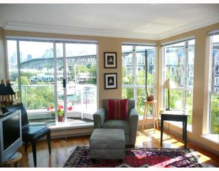 "Photo 4: 306 1551 MARINERS Walk in Vancouver: False Creek Condo for sale in ""LAGOONS AT GRANVILLE ISLAND"" (Vancouver West)  : MLS®# V779632"