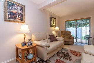 Photo 4: 40 2147 Sooke Rd in VICTORIA: Co Wishart North Row/Townhouse for sale (Colwood)  : MLS®# 827827