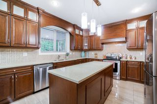 Photo 10: 6020 131A Street in Surrey: Panorama Ridge House for sale : MLS®# R2422112