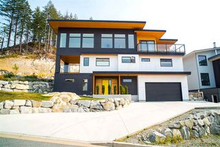 """Main Photo: 38598 HIGH CREEK Place in Squamish: Plateau House for sale in """"CRUMPIT WOODS"""" : MLS®# R2430107"""