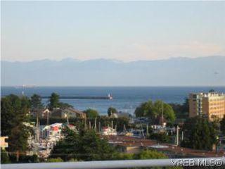 Photo 2: 201 873 Esquimalt Road in VICTORIA: Es Old Esquimalt Condo Apartment for sale (Esquimalt)  : MLS®# 266928
