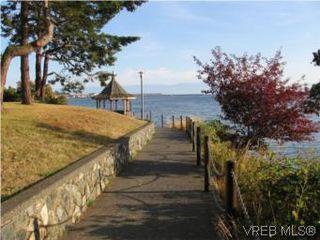 Photo 4: 201 873 Esquimalt Road in VICTORIA: Es Old Esquimalt Condo Apartment for sale (Esquimalt)  : MLS®# 266928