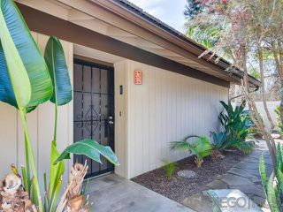 Photo 2: RANCHO BERNARDO Townhouse for sale : 2 bedrooms : 11401 Matinal Cir in San Diego