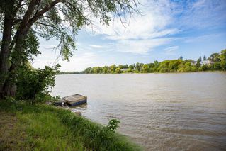 Photo 42: 692 Kildonan Drive in Winnipeg: Fraser's Grove Residential for sale (3C)  : MLS®# 202023058