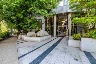 Photo 2: 1204 1050 SMITHE Street in Vancouver: West End VW Condo for sale (Vancouver West)  : MLS®# R2528044