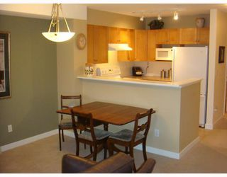 """Photo 4: 4 3737 PENDER Street in Burnaby: Willingdon Heights Townhouse for sale in """"THE TWENTY"""" (Burnaby North)  : MLS®# V807857"""