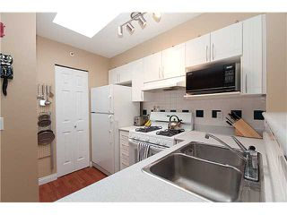 "Photo 3: 402 688 E 16TH Avenue in Vancouver: Fraser VE Condo for sale in ""VINTAGE EASTSIDE"" (Vancouver East)  : MLS®# V833214"