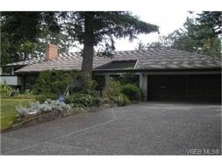 Photo 1:  in VICTORIA: SE Broadmead House for sale (Saanich East)  : MLS®# 448739