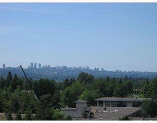 "Photo 2: 906 3771 BARTLETT Court in Burnaby: Sullivan Heights Condo for sale in ""TIMBERLEA"" (Burnaby North)  : MLS®# V776369"