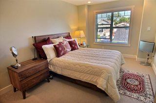 Photo 21: 9504 86 Avenue in Edmonton: Zone 18 House Half Duplex for sale : MLS®# E4172512