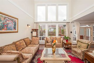 Photo 2: 2104 128 Street in Surrey: Elgin Chantrell House for sale (South Surrey White Rock)  : MLS®# R2414539