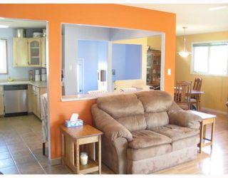 Photo 7: 30 PLAYGREEN in WINNIPEG: Maples / Tyndall Park Residential for sale (North West Winnipeg)  : MLS®# 2915004