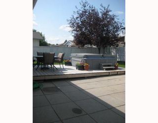 Photo 2: 30 PLAYGREEN in WINNIPEG: Maples / Tyndall Park Residential for sale (North West Winnipeg)  : MLS®# 2915004