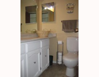 Photo 8: 30 PLAYGREEN in WINNIPEG: Maples / Tyndall Park Residential for sale (North West Winnipeg)  : MLS®# 2915004