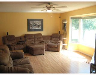 Photo 6: 30 PLAYGREEN in WINNIPEG: Maples / Tyndall Park Residential for sale (North West Winnipeg)  : MLS®# 2915004