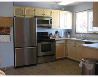 Photo 4: 30 PLAYGREEN in WINNIPEG: Maples / Tyndall Park Residential for sale (North West Winnipeg)  : MLS®# 2915004